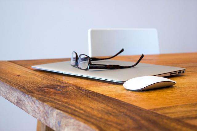 Zarabianie przez Internet – wygodnie i opłacalnie