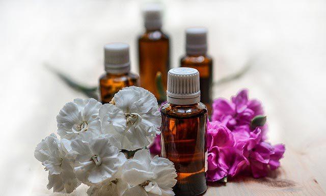 Damskie perfumy jako pomysł na prezent walentynkowy - jakie wybrać?