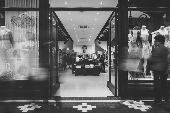 Manekiny sklepowe – dostępne warianty i ich przeznaczenie