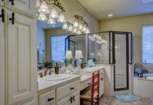 TOP 5 pomysłów na oryginalne kinkiety łazienkowe