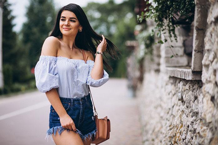 Modne bluzki damskie na lato
